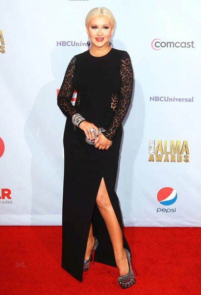 christina-aguilera-2012-nclr-alma-awards-03