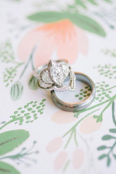 gallery-1432746750-hbz-stylemepretty-engagement-rings-04