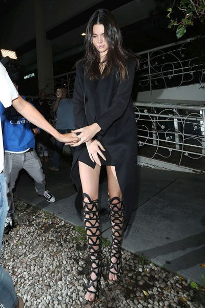 gallery-1436468638-mcx-kendall-jenner1