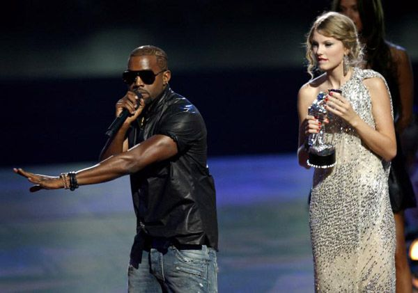 kanye-west-and-taylor-swift-2009-vmas (1)