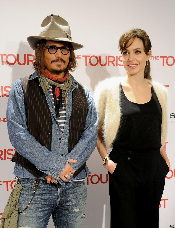 Johnny-Depp-Angelina-Jolie-2010