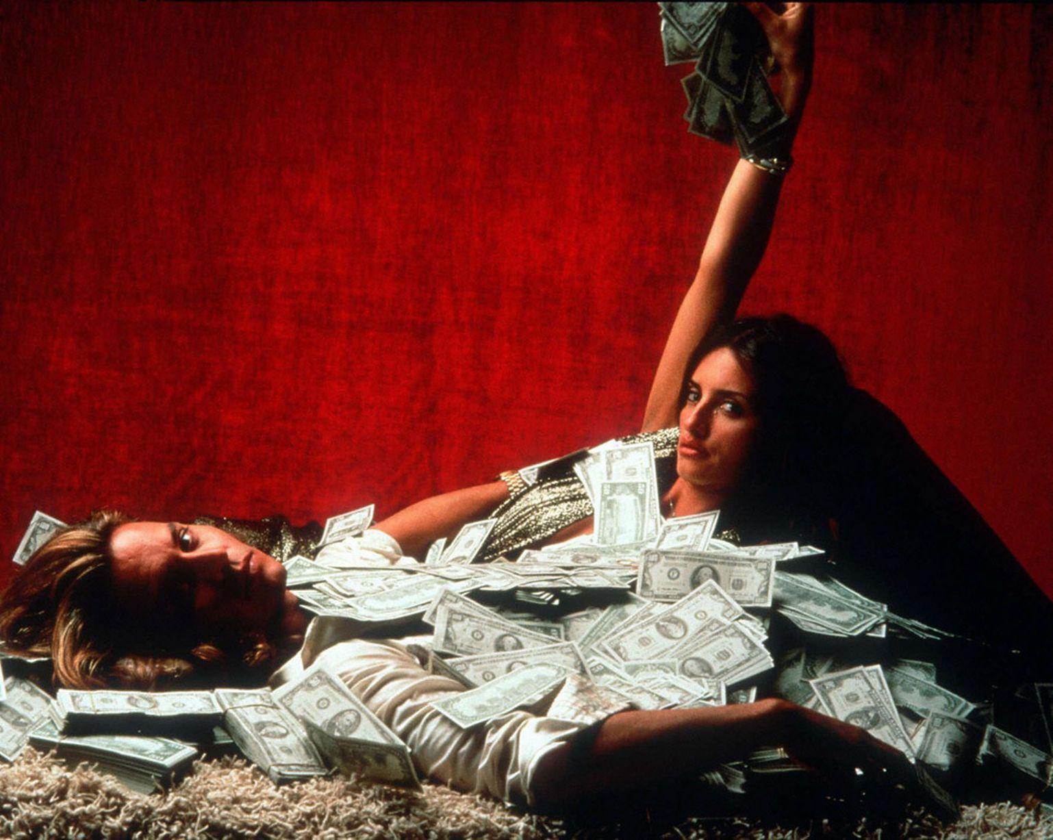 Johnny-Depp-and-Penelope-Cruz-in-Blow-2001