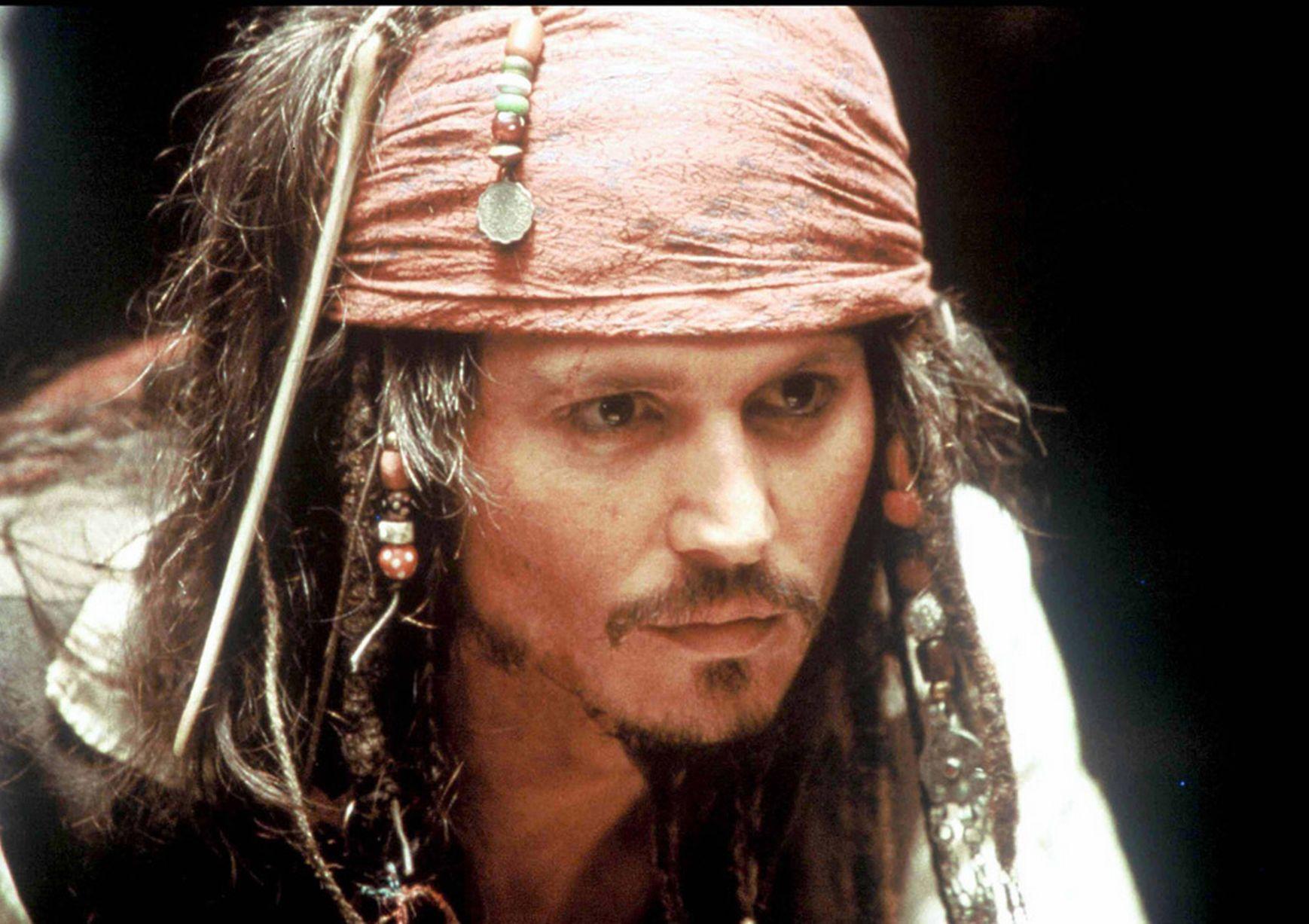 Johnny-Depp-as-Jack-Sparrow