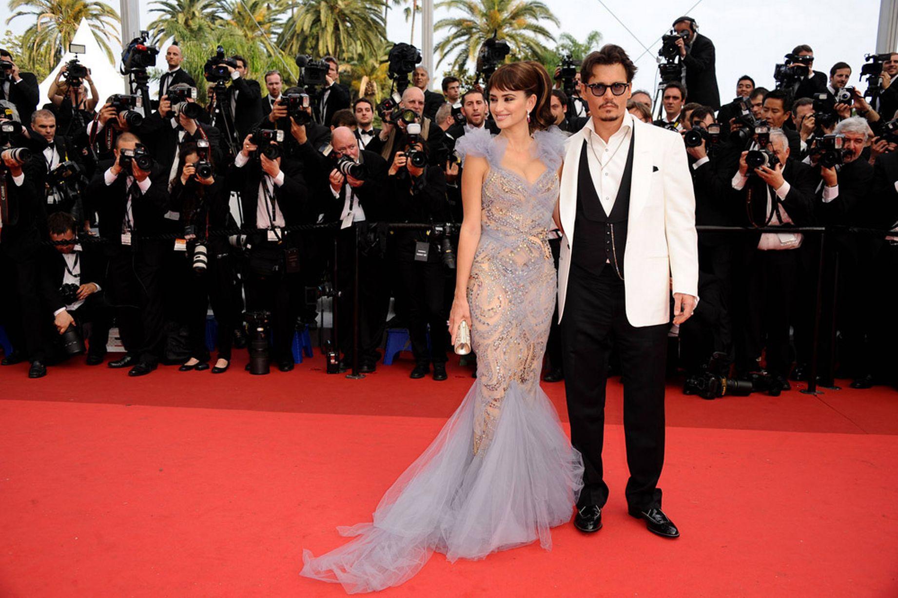 Penelope-Cruz-and-Johnny-Depp-2011 (1)