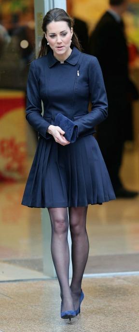 siyah külotlu çorap nasıl giyilir (14)